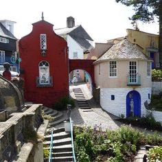 """18 British Villages You Should Run Away To: Portmeirion, Wales, where ITV's """"The Prisoner"""" was filmed. Villages In Uk, Wales Uk, North Wales, England Ireland, English Village, English Countryside, British Isles, Running Away, Holiday Destinations"""