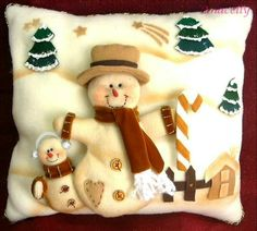 Pillows with a Christmas applikatsiey. Discussion on LiveInternet - Russian Service Online Diaries Christmas Chair, Christmas Cushions, Felt Christmas Decorations, Christmas Sewing, Christmas Pillow, Christmas Snowman, Christmas Projects, Handmade Christmas, Christmas Crafts