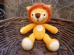 Lenny Lion, Amigurumi Crochet Pattern. by mojimojidesign on Etsy https://www.etsy.com/listing/126354643/lenny-lion-amigurumi-crochet-pattern