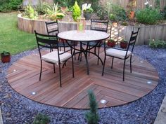 sleeper patio Backyard Projects, Garden Projects, Garden Ideas, Back Gardens, Outdoor Gardens, Patio Design, Garden Design, Septic Tank Covers, Garden Sitting Areas