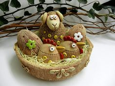 Ovečka, beránek Wicker Baskets, Projects To Try, Easter, Pottery, Christmas Ornaments, Holiday Decor, Ceramica, Easter Activities, Pottery Marks