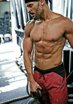 Jordan are known for their irresistible abs. Here's a full list of hot celebs with v-cut abs. Joe Manganiello Shirtless, V Cut Abs, Taylor Kitsch, Sofia Vergara, Shirtless Men, Keanu Reeves, Celebrity Hairstyles, Celebrity Photos, Muscles