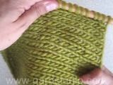 Saco DROPS tejido con pechera redonda, en BabyAlpaca Silk. Talla: 3 – 12 años. Patrón gratuito de DROPS Design.