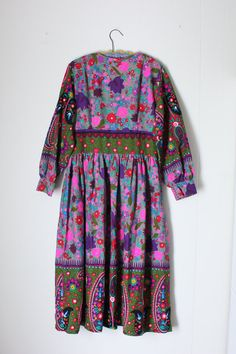 Vintage 60s Psychedelic Dress Cotton Paisley Border by DIAvintage