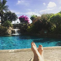 Featured: Lawai Beach Resort. 🏊🏻 (📷: @jenfloyd08 on Instagram.) #pools #coolingoff #paradise #LetHawaiiHappen #LawaiiBeachResort #ShellVacations