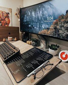 Mesa Home Office, Home Office Setup, Home Office Desks, Office 365, Computer Desk Setup, Gaming Room Setup, Pc Setup, Game Room Design, Workspace Inspiration