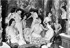 Le Sphinx était une maison close parisienne de luxe ouverte en 1931 et fermée en 1946, située au 31, boulevard Edgar-Quinet à Paris. Le Sphinx se distinguait par une architecture et des décors d'inspiration néo-égyptienne. Il faisait partie des établissements...