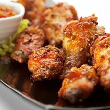 Super Bowl Party Food Ideas: 10 Tasty Chicken Wing Recipes – Page 3 – Forkly Spicy Baked Chicken, Grilled Chicken Wings, Fried Chicken Recipes, Tandoori Chicken, Bourbon Chicken Recipe Easy, Bourbon Recipes, Bourbon Drinks, Recipe Chicken, Bbq Chicken
