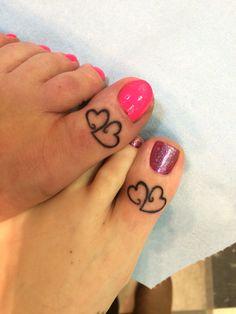We could DD a third heart? Sister Friend Tattoos, Niece Tattoo, Mother Daughter Tattoos, Toe Ring Tattoos, Heart Tattoos, Pretty Tattoos, Cute Tattoos, Tattoo Art, Body Art Tattoos
