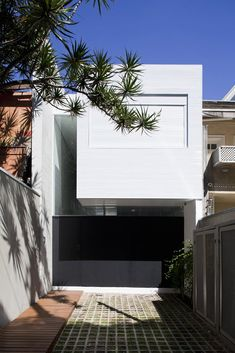 4×30 House by CR2 Arquitetos + FGMF Architects