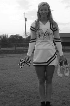 Melissa this is a must. Cheerleading Senior Pictures, Cheerleading Poses, Cute Senior Pictures, Cheer Poses, College Cheerleading, Cheer Pictures, Sports Pictures, Senior Photos, Cheer Picture Poses