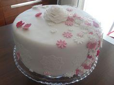 Cake art pink and white for little girl - torta di battesimo per bimba bianca e rosa #cakedesign