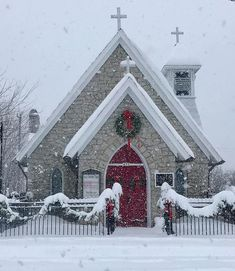 episcopal bestpins trinity church during storm airy snow pins 2019 diy mt nc Trinity Episcopal Church Mt Airy NC during snow storm You can find Old country churches and more on our website Old Country Churches, Old Churches, Church Pictures, Take Me To Church, Church Architecture, Cathedral Church, Church Building, Episcopal Church, Christmas Scenes