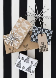 Black and white Christmas gift wrap / Papermash