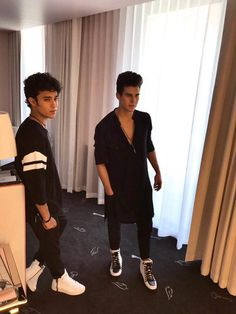 Read Capítulo Confundida Parte 2 from the story Casate Conmigo - Joel Pimentel Y Tu by ohxdior (abzurdah🐍) with reads. Sam Smith, Love You Papa, My Love, Memes Cnco, Bff, Twitter Bio, Just Pretend, Emo Boys, Celebs