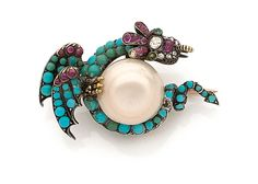 YEARS 1880 PIN DRAGON PEARL FINE Shaped dragon holding a pearl button thin. The body is paved with rubies, diamonds and turquoises.