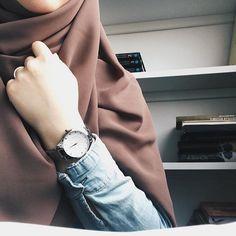 Girls in hijab Turban Hijab, Hijab Niqab, Muslim Hijab, Hijab Chic, Mode Hijab, Hijab Outfit, Niqab Fashion, Street Hijab Fashion, Muslim Fashion