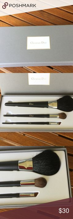 🆕💥Christian Dior set of 3 makeup brushes Brand new in the box set of 3 make up brushes. Christian Dior Makeup Brushes & Tools