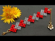 Beaded Heart Bracelet//Bracelet Making Tutorial// Useful & Easy VIDIOS Perlen Herz Armband // Armban Beaded Bracelets Tutorial, Beaded Bracelet Patterns, Beading Patterns, Macrame Tutorial, Loom Bracelets, Macrame Bracelets, Friendship Bracelets, Jewelry Making Tutorials, Beading Tutorials