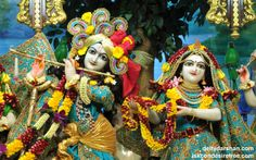 To view Radha Gopinath Wallpaper of ISKCON Chowpatty in difference sizes visit - http://harekrishnawallpapers.com/sri-sri-radha-gopinath-close-up-wallpaper-046/
