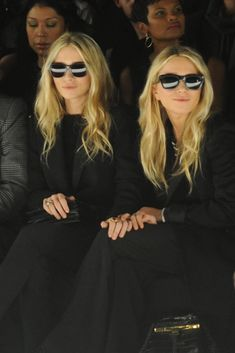 Olsen Twins on Full House Revival, Netflix, Photos – WWD Ashley Olsen Hair, Olsen Fashion, Olsen Twins Style, Friend Photos, Full House, Girl Crushes, Style Icons, Fashion News, New Look