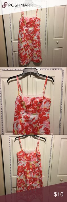 Any 2 ✅for $15 Floral dress Excellent condition. No tears, stains or marks. Combine with any item with a ✅ for a $15 bundle or add three more items for 30% Off Bundles. New York & Company Dresses