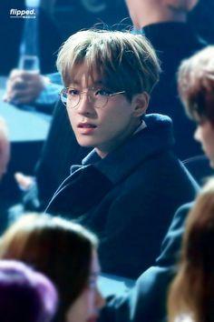 #SEVENTEEN #세븐틴 #WONWOO #원우 #Boy_in_glasses Woozi, Jeonghan, Seventeen Wonwoo, Seventeen Debut, Vernon Chwe, Hip Hop, Seventeen Wallpapers, Funny Boy, Pledis Entertainment