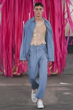 See the complete MAN Spring 2018 Menswear collection.