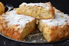 prajitura cu mere 041 Hungarian Recipes, Hungarian Food, Sweet Memories, Banana Bread, Muffin, Good Food, Favorite Recipes, Sweets, Cheese