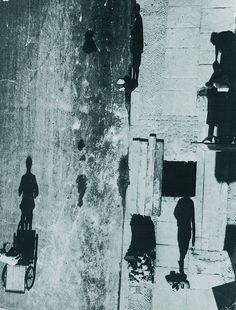 Otto Umbehr Umbo - Unheimliche Straße  Gelatinesilberabzug , 1928   Exemplar…