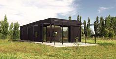 Casa PROCREAR_01 - framarquitectos | Small House | Metal Material | Essential Prism | Black Color |
