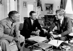 Defense Secretary Robert McNamara (center), meeting with President John F. Kennedy (far right), in the White House to give him an appraisal of the situation in South Vietnam, October Robert Kennedy, Jackie Kennedy, Greatest Presidents, Us Presidents, South Vietnam, Vietnam War, Robert Mcnamara, John Fitzgerald, True Detective