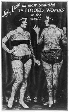 """""""Lady Viola, the most beautiful tattooed woman in the world"""" ca 1920 - Tattoos - Fotoshooting Tatoo Art, I Tattoo, Tattoo Pics, Tattoo Flash, Tattoo Ideas, Old Photos, Vintage Photos, Old Tattoos, Vintage Tattoos"""