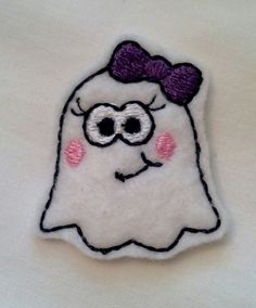 Felt Halloween Ghost on a 1 inch snap clip Great for toddlers to keep those pesky whispy hairs out of their eyes!  I can also put this on a larger clip.  Carlykins Boutique Baby Girl Hair Accessories by CarlykinsBoutique, $4.25