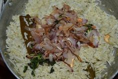 Prefect Ghee rice / Ney choru as it is commonly called is a famous delicacy of south india and it is extremly easy to make. Puri Recipes, New Recipes, Vegetarian Recipes, Dinner Recipes, Cooking Recipes, Rice Recipes, Snack Recipes, Egg Recipes Indian, Ethnic Recipes