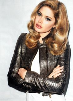 Brondes have more fun. Bronde hair color. Doutzen Kroes
