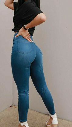Superenge Jeans, Sexy Jeans, Pretty Black Girls, Workout Attire, Wide Leg Denim, Girls Jeans, Cowgirl Jeans, Pants For Women, Jeans Women