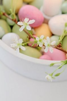 Love these pretty colors of eggs, Spring ~ Easter Happy Easter, Easter Bunny, Easter Eggs, Vibeke Design, About Easter, Easter Season, Easter Parade, Welcome Spring, Easter Celebration