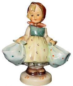 Hummel Mother's Darling Hummel Figurine 175