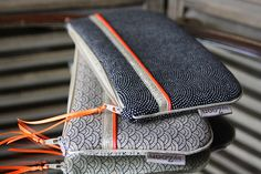 Pochette M - tissu japonais - motifs samekomon & segaïa/doré-orange : Trousses par byzoon
