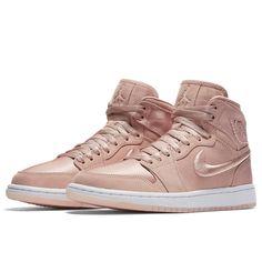 Nike W Air Jordan 1 RET High SOH (AO1847-645) Sunset Tint  USD 190 HKD 1490  Pre Order and Release on 27 Nov #solecollector #dailysole #kicksonfire #nicekicks #kicksoftoday #kicks4sales #niketalk #igsneakercommuinty #kickstagram #sneakflies #hyperbeast #complexkicks #complex #jordandepot #jumpman23 #nike #kickscrew #kickscrewcom #shoesgame #nikes #black #summr #hk #usa #la #ball #random #girl #adidas