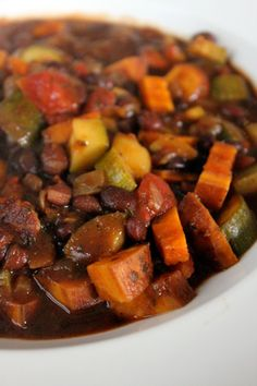 Sweet Potato Black Bean Chili:      1/2 large sweet onion chopped      1 Sweet Potato (mine was about 200g)      2 small zucchini chopped      3 tsp chili powder      3 tsp garlic powder      2 tsp dried cilantro      2 tsp dried cumin      1 14oz can of diced tomatoes      1 can black beans with liquid