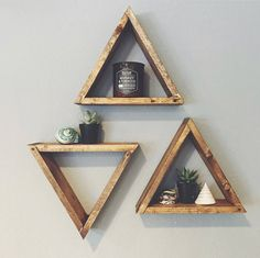 Geometric-boho-rustic wall perfection! Add a little somethin to your walls to hold your pretty succulents, crystals, air plants, candles, pictures of your boyfriend.... whatever you want :) Each piece is handcrafted to order which means they will all be unique in their own way! We sand down and stain the wood with Minwax Provincial stain but would be more than happy to customize with a stain color of your choice- please contact us for customization! *LISTING IS FOR ONE SHELF*  Dimensions…