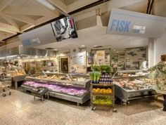 Household has created an environment that shows why Meny is different – and better. Heroing the freshness of the product is key. Display units in Bakery and Fruit and Vegetables flex responsively to stock levels throughout the day, so displays always look abundant.