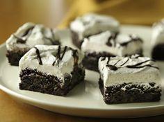 #glutenfree Whoopie Pie Brownies Uses Betty Crocker's GF Brownie Mix Gluten Free Sweets, Gluten Free Cookies, Gluten Free Recipes, Gf Recipes, Baking Recipes, Pie Brownies, Gluten Free Brownies, No Bake Desserts, Just Desserts