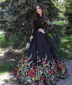Prom Dresses With Sleeves, 15 Dresses, Elegant Dresses, Pretty Dresses, Beautiful Dresses, Evening Dresses, Fashion Dresses, Formal Dresses, Mexican Quinceanera Dresses