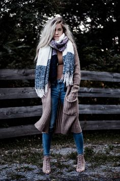 An Easy Fall Outfit | WEARFATE by Mollie Moon | A Life and Style Blog