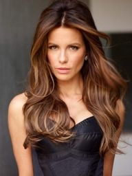 Love Kate Beckinsale and her hair looks amazing!