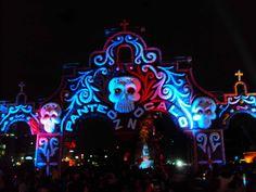 Panteon Zocalo Dia de Muertos
