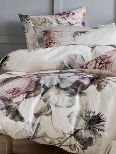 Time to update your quilt cover? Coming in a huge array of colours and styles, you're sure to find the perfect quilt cover set with Linen House. Bed Linen Design, Bed Design, Design Art, Grey Bedding, Linen Bedding, Bed Linens, Chic Bedding, Linen Pillows, Cushions